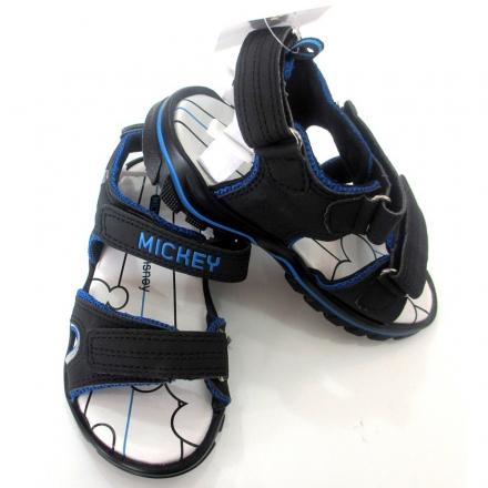 1.cach-chon-sandal-cho-be-trai-trong-he